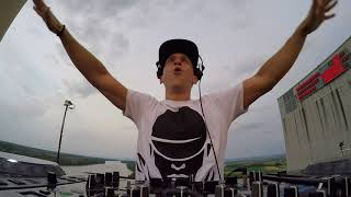 Hard Dance Music on top of a Nuclear Power Plant. LIVE.