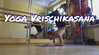 стойка на локтях, поза скорпиона, Scorpion Pose, поза саранчи, Vrischikasana, Salabhasana(Yoga Scorpion Pose Vrischikasana, Yoga Scorpion Handstand От слова