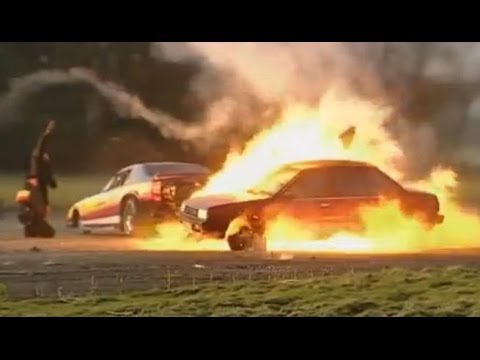 Jet Car Vs Nissan - Top Gear - BBC