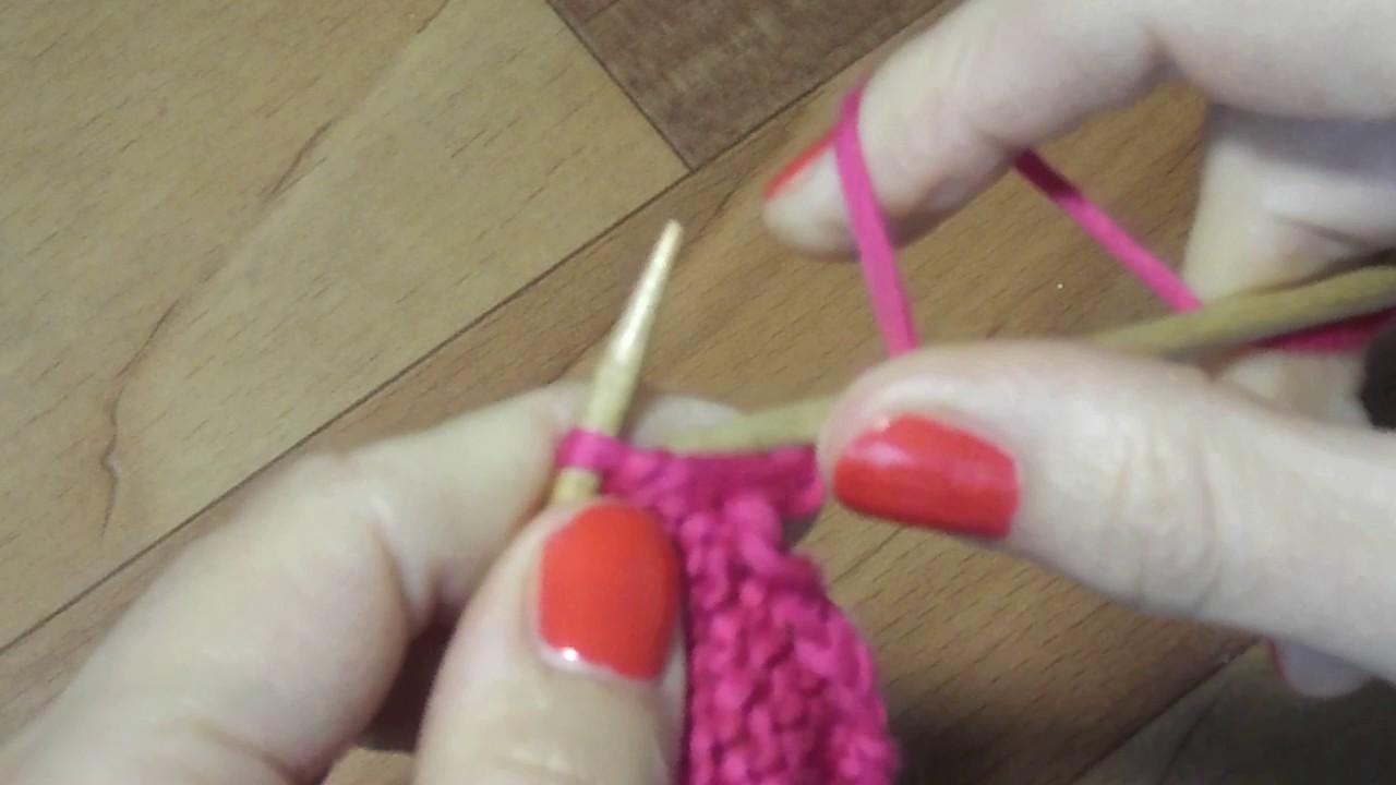 Изнаночная петля при вязании  спицами английским методом