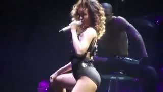Repeat youtube video Rihanna SEXIEST PERFORMANCE 2012 NEW ! never seen before HQ
