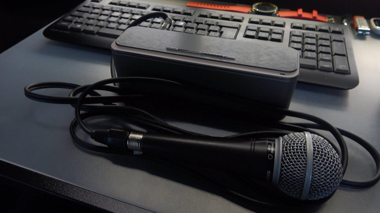 ¿Qué pasa si conectas un micrófono a un altavoz Bluetooth?