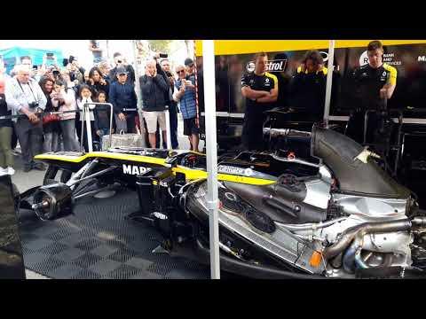 Une Formule 1 Renault Joue La Marseillaise
