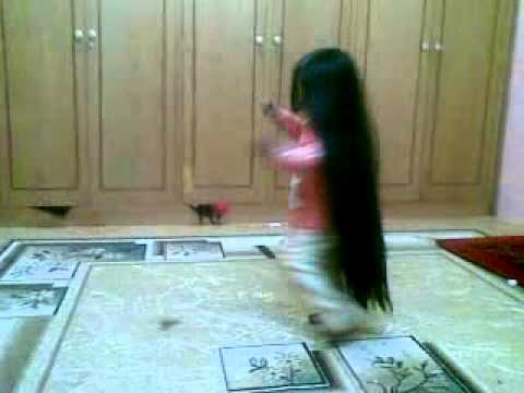 كرتون شعر طويل
