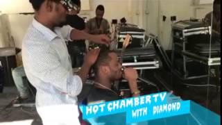 Jionee ufundi wa Diamond platnumz akiimba  wimbo wa Harmonize na Rich Mavoko show me