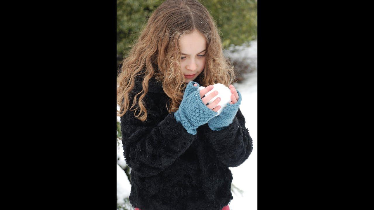 Knitting Pattern for Fingerless Gloves in Double Knitting - YouTube