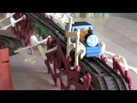 Thomas And Friends Trackmaster Village Dash, Bash, Ferdinand At The Shake Shake Bridge!