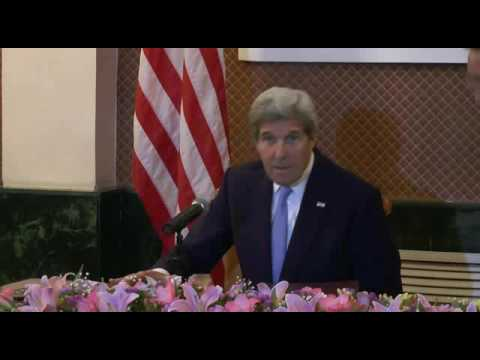 John Kerry shuns South China Sea question by Chinese journalist