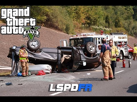 GTA 5 LSPDFR - Rollover Traffic Accident - Hit and Run