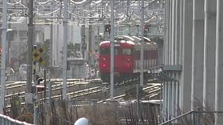 廃車置場に変化が!八高線205系ハエ83編成の半分姿が無く、解体線に八高線205系1両が置かれている、平成最後のクリスマスの、長野総合車両センター。