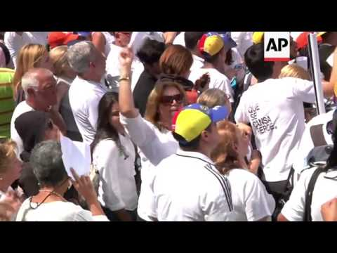 Protest on first anniversary of arrest of Leopoldo Lopez