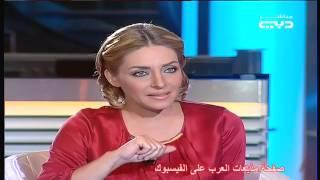 وزير الإعلام يغازل مقدمة برامج بقناة دبي   والمذيعة تحرجه  على الهواة