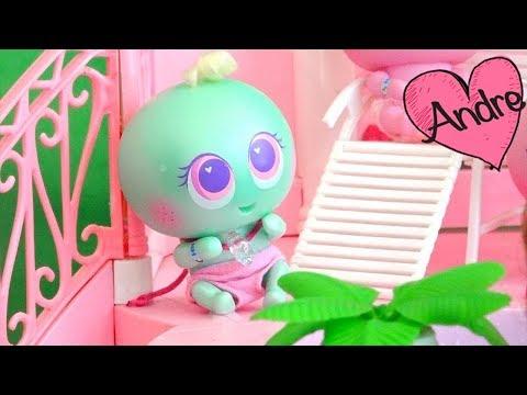 Casi meritos juegan en piscina de slime | Jugando muñecas y juguetes con Andre para niñas y niños
