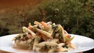 Салат из сырых кабачков с мацуном или йогуртом