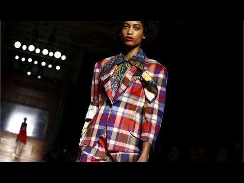 Vivienne Westwood | Fall Winter 2016/2017 Full Fashion Show | Exclusive