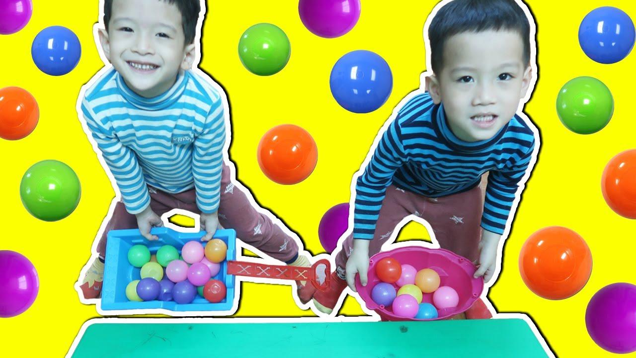 Trò Chơi Hứng Bóng Cùng 2 bạn Lim Lạc | Gia Đình Baby Shark