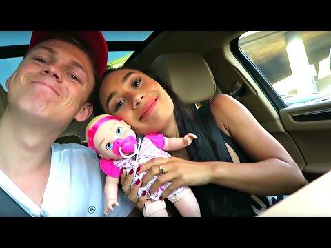 OUR FIRST VLOG! | Caspar and Eva