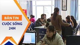 130.000 cử nhân thất nghiệp: Nỗi buồn đã thành quen   VTC1