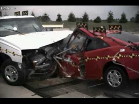 2001 Honda Civic Coupe Vs 2003 Chevrolet Silverado Iihs