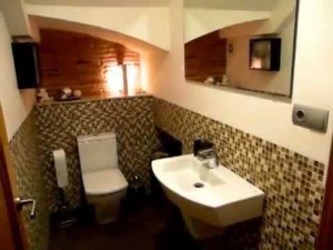 baño rústico elegante minimalista funcional sin ducha video ... - Diseno De Banos Pequenos Bajo La Escalera