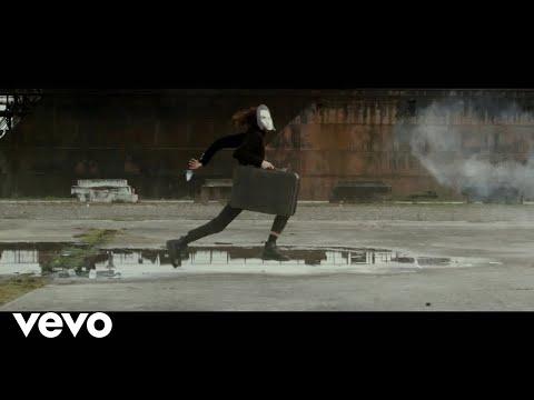 MNNQNS - Fall Down (Official Video)