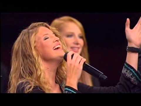 THE COLLINGSWORTH FAMILY   SINGING AT CALVARY
