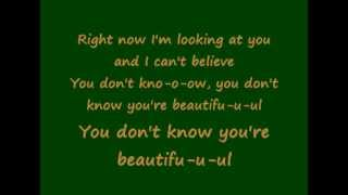 One Direction - What Makes You Beautiful (Lyric)