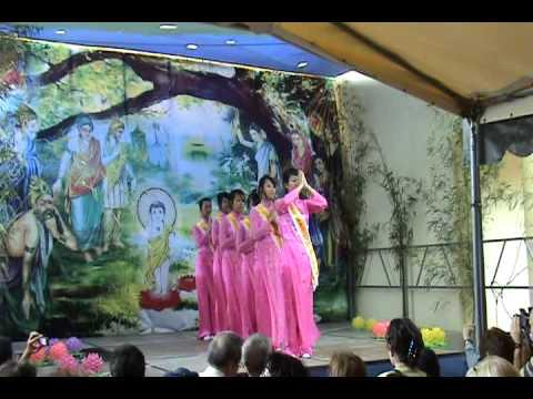 Vésak 2010 Lyon - Danse Phat Dan Sanh
