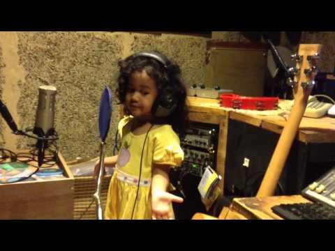 Algre - Phili - (Jazz Version) Kingkong Badannya Besar - Aku Pahlawan Kecil - Happy Yayaya