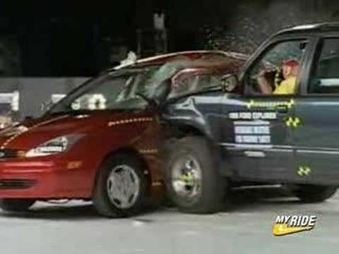 Crash Test Ford Explorer Vs Ford Focus Youtube
