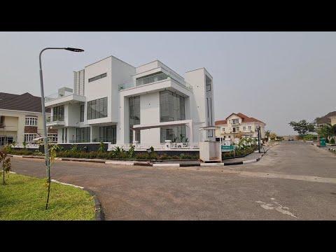 Contemporary Nigerian Mansion For Sale In Arcadia Grove Estate, Lekki, Lagos State.