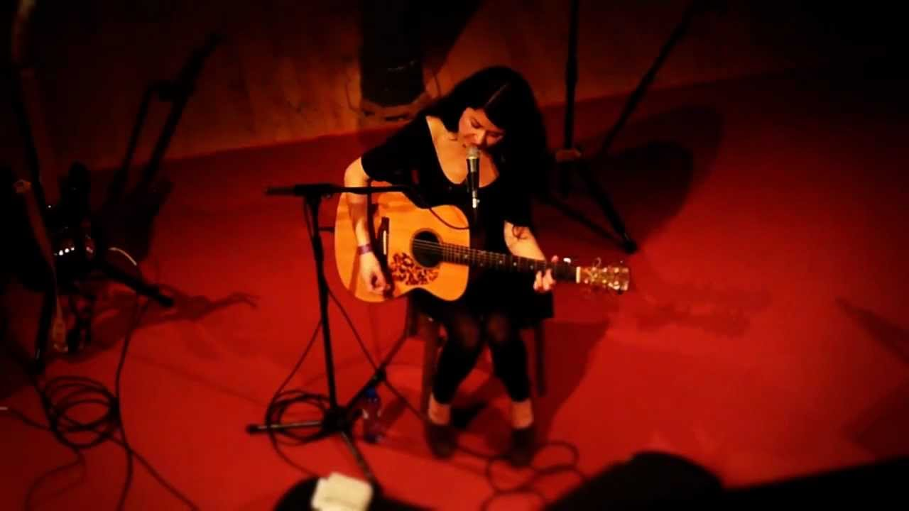 mariee-sioux-buried-in-teeth-live-jerome-danthinne