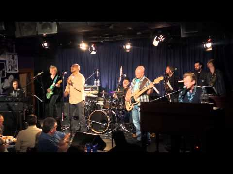 Bill Champlin, Larry Braggs, Danny Seraphine and CTA Turn Your Love Around-