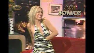 Repeat youtube video Así Somos: Maca Ramis sacándose la ropa interior