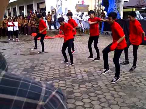 Asy Lanning Shuffle Live Perm Kreapel SMAN 10 Pekanbaru