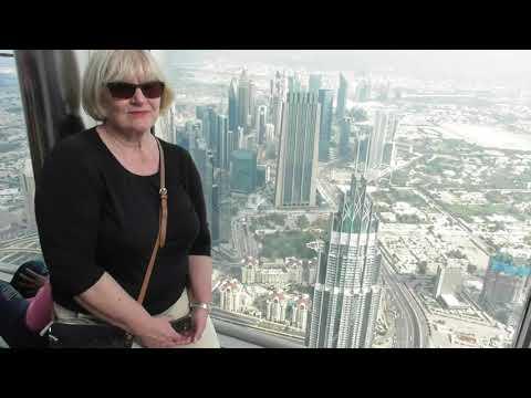 2019-12-05 Dubai – Burj Khalifa von oben und unten