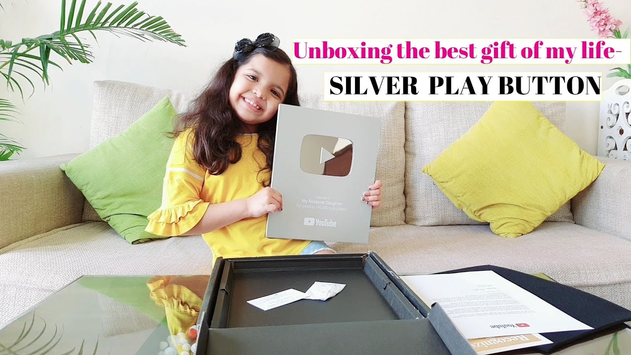 Unboxing my  YOUTUBE SILVER PLAY BUTTON-2020 | 1 LAKH SUBSCRIBERS || Feeling awesome-A BIG THANK YOU