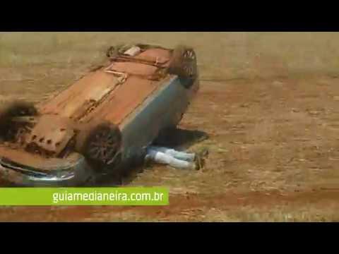 Serranópolis: Motorista capota veículo após fugir de abordagem da Polícia Militar