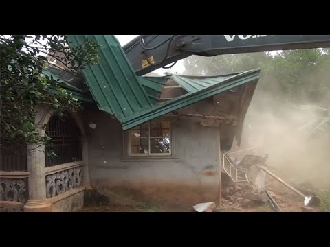 Thumbnail: Anambra Police Demolish Suspected Kidnapper's Hideout --14/07/15