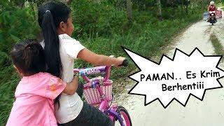 PAMAN n n n nnn Berhenti Shinta dan Shanti mau beli Es Krim - kids ride a bicyle buy ice cream