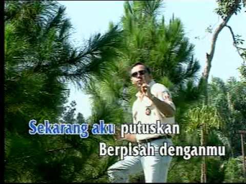 Album 12 Dangdut terpopuler *** Benang Biru - Tommy Ali