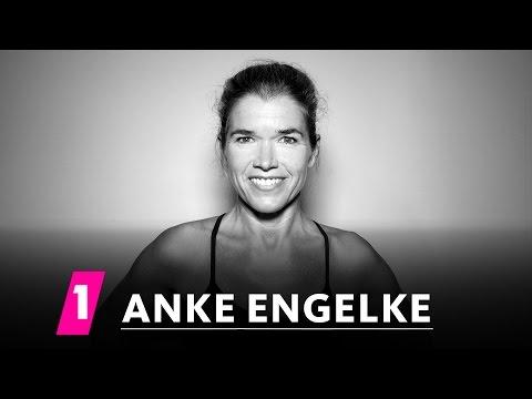 Anke Engelke im 1LIVE Fragenhagel  1LIVE