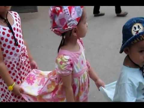 Đoàn tàu nhỏ xíu - mầm non minh dương - công viên thủ lệ 31/08/2012