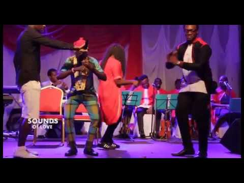 Download Paraboy Plays Igbo Flute In Style and Gets The Organizers Dancing
