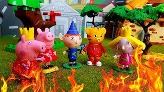 Ben e Holly Italiano nuove puntate - Poppy cattivella appicca un incendio a scuola per non studiare!