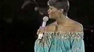 Dionne Warwick - No Night So Long (Monte Carlo Show 1980)