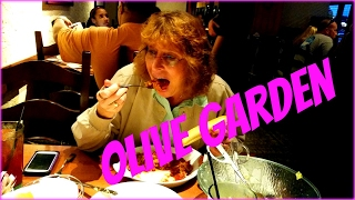 Eating Never Ending Classics at Olive Garden Italian Restaurant