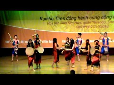 Múa: Tiếng chày trên Sóc Bombo