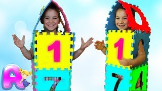 Anna Build a tall tower with squishy123 foam puzzle