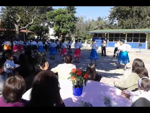 Baile del dia de las madtes